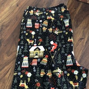 Lularoe Christmas leggings TC
